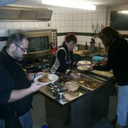 vielen Dank dem Kücheteam MONIKA und VRENI für die Zubereitung des feinen Mittagessens