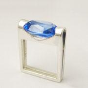Ring, Silber mit blauem synthetischen Korund