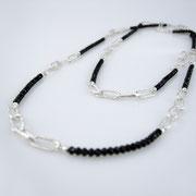 Lange schmale Kette, Silber, schwarze facettierte Spinellperlen, ca. 95 cm lang