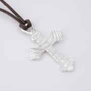 Feinsilberanhänger, Kreuz aus 1000er Silber an Lederband