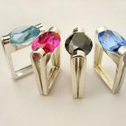 Folded-Reihe, Silberringe mit synthetischen Spinellen und Korunden