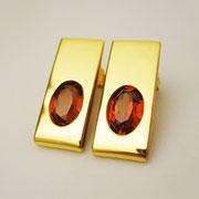 Ohrstecker, feingoldplattiertes Silber mit roten synthetischen Rubinen
