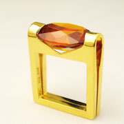 Ring, feingoldplattiertes Silber mit orangebraunem synthetischen Spinell