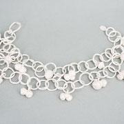Zweireihiges Armkettchen mit kleinen Eichelanhänger aus massivem Silber