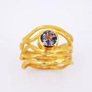 5er-Ring, Silber feingoldplattiert mit violettblauem Spinell