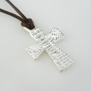Feinsilberanhänger, byzantinisches Kreuz aus 1000er Silber an Lederband