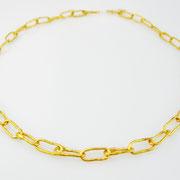 Halsnahe 750er Gelbgoldkette aus kleinen schmalovalen Ösen