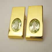 Ohrstecker, feingoldplattiertes Silber mit hellgrünen synthetischen Spinellen
