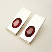 Ohrstecker, Silber mit roten synthetischen Rubinen