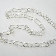 Lange Kette aus gemischten Silberösen