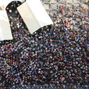 Prague : la foule telle de petites fourmis