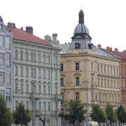Toujours de jolis bâtiments colorés