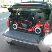 Elektromobil vom Experten kompakt im Kofferraum