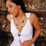 Juego Mariposas y Piedras (Collar, Aretes, Pulsera) R- 306