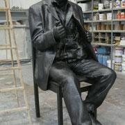 terrorista a punto de expolsionarse, escultura en ARCO