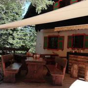 Mittagessen auf einer Hütte auf Etappe 23