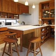 セミオープン型独立キッチン