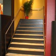 Stahltreppe mit Blechtritten