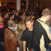 Unsere 1. Pasta Party / Paderborn 2005 / Schlange für ein paar Nudeln :-)