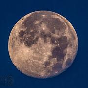 Was macht der Mond hier? Naja das ist der über Lido :-D