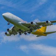 KALITTA AIR Cargo DHL Boeing 747 im Anflug auf Leipzig