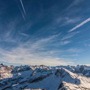 vom Nebelhorn Richtung Österreich, links der Hochvogel mit 2592m