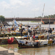 10.  Fischerboote in Aneho