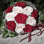 Hochzeit Thüringen Brautstrauß rote Rosen