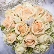 Hochzeit Thüringen Brautstrauß gelbe Rosen