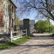 l'entrée de la propriété Ferme Relais de la Baie de Somme gîtes de groupe baie de somme