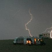 Gewitter in der Wüste - unser Camper steht ganz vorne