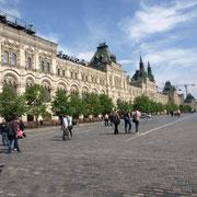 gegenüber der Kremlmauer