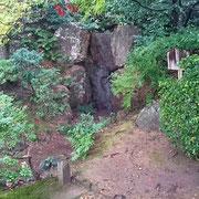 『青女の滝』  日本最古の人工滝
