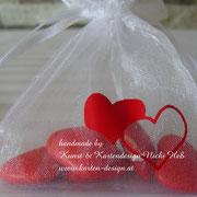 Herziges Organzasäckchen auf Wunsch befüllt und mit Anhänger