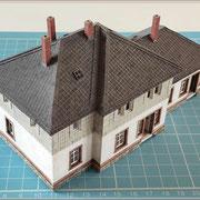 16.04.21 - Dachdeckung fertiggestellt, Schornsteine aufgesetzt