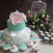 pastel y cupcakes boda vintage