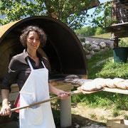 Helga Graef beim Brobbacken