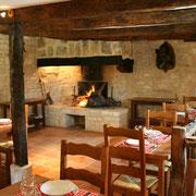 la salle de l'auberge du restaurant, réservez votre place lors de votre venu dans nos gîtes !