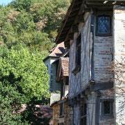 des maisons à encorbellement du village préféré des français