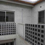 いぶしブロック。二階ベランダ施工例。