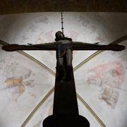 Kunsthistorisch von höchstem Wert ist auch das spätromanische Triumphkreuz von etwa 1220.