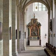 Von den ehemals zahlreichen Nebenaltären der Stiftskirche sind nur noch wenige, dafür aber aussagekräftige vorhanden.