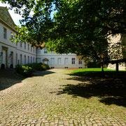 Als der ersten deutschen Gründung Norberts und dem ersten Männerkloster im Bistum Münster überhaupt wenden vor allem die Ortsbischöfe Cappenberg ihre besondere Liebe und Sorge zu.
