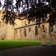 Am 31. Mai 1122 nimmt Norbert den Schlüssel der Burg Cappenberg in Empfang, die damit zur ersten Niederlassung der Prämonstratenser auf deutschem Boden wird. Am 15. August d. J. findet die Grundsteinlegung durch Bischof Dietrich II. von Münster statt.