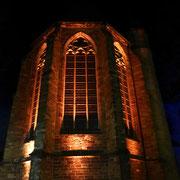 Die Kirche war schon zur Beisetzung der Gebeine Gottfrieds am 16. September 1149 vollendet. Im 14. Jahrhundert erhielt sie gotische Gewölbe und eine neue Chorapsis, seitdem präsentiert sie sich von der Bauform her im wesentlichen unverändert.