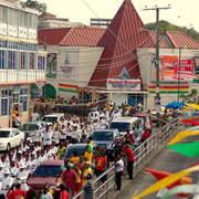 Die Parade durch St.George`s ist das Größte