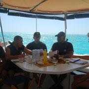 Die Guarda Costa beim Kontrollieren an Bord....