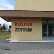 Kulturzentrum St. Leonhard/Fr.Acryloxbuchstaben durchgefärbt 8mm