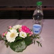 Schöne Deko mit Herbsttagungs-Trinkwasser