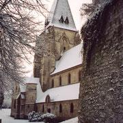 La collégiale de Picquigny sous la neige.